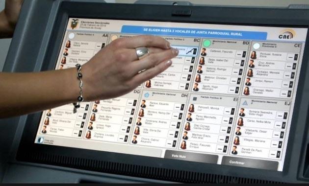 En Buenos Aires el voto electrónico debutó con éxito.