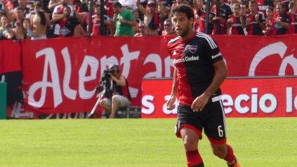 Preparado. Domínguez jugó ayer para los titulares y tiene chances de reaparecer.