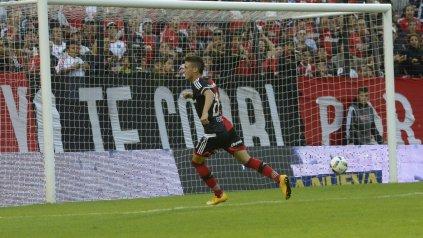 El juvenil delantero Fértoli quiere volver a mojar en la red.