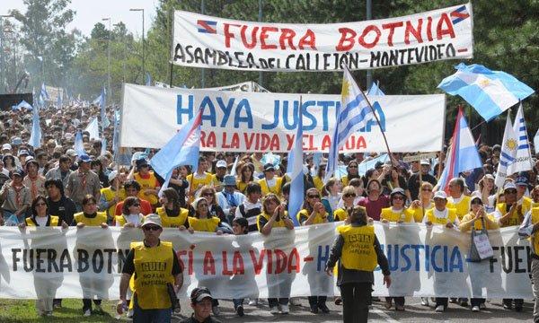 Gualeguaychú pide a Macri que defina su política sobre Botnia