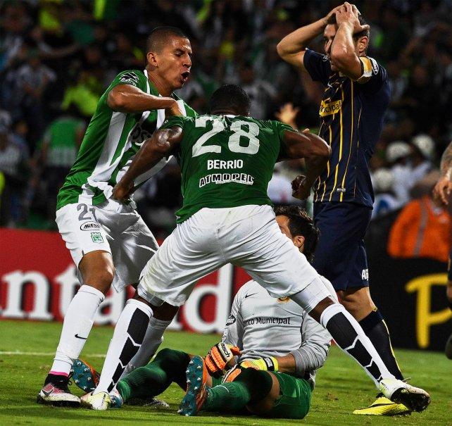 Berrío le gritó el gol en la cara a Sosa, quien explicó qué pasó.