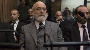 Sentenciado. Mathov lució ayer una tupida barba canosa, en contraste a su imagen como funcionario aliancista.