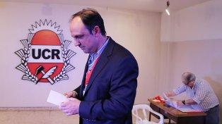Adrián Pérez confirmó que el Ejecutivo enviará un proyecto al Congreso, pero Corral (foto) se opone.