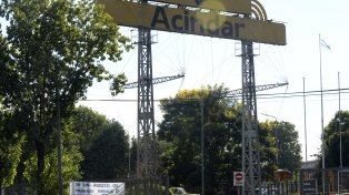Otro frente que debe atender el sindicato metalúrgico es el del achicamiento de la planta local de Acindar, la ex Navarro, que se perfila como un cierre definitivo en el futuro.