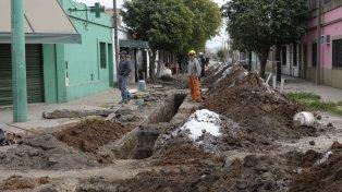 mejor calidad de vida. En los últimos seis años en la ciudad ya se instalaron cloacas en 31 barrios, lo que benefició a 150 mil vecinos.
