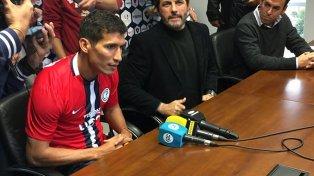 Cáceres fue presentado como nuevo refuerzo de Cerro Porteño.