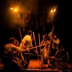 El elenco de Violeta en escena. La obra de nuevo circo sale otra vez a escena, esta vez en conjunto con la escuela Serrano de barrio Las Flores.