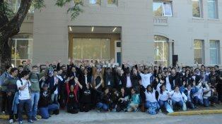 Innovación. Los participantes rosarino participaron del hackaton de 48 horas que se realizó en Zona i. En forma simultánea se realizó en 193 ciudades de todo el mundo.