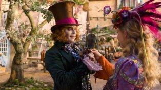 Johnny Depp vuelve a encarnar el personaje del Sombrerero Loco.