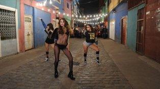 Pampita sorprendió a todos con un baile sensual en la villa 31.