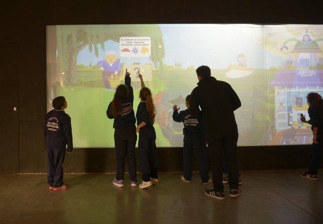 Una constante de la propuesta del Museo Provincial de Ciencias es el protagonismo de chicos y chicas.