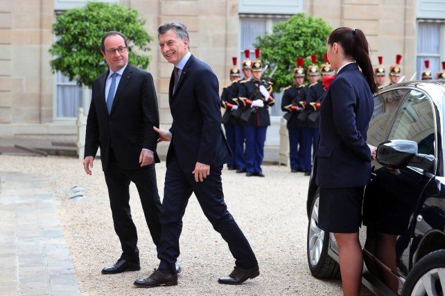 Hollande y Macri analizaron la separación de Gran Bretaña de la Unión Europea.