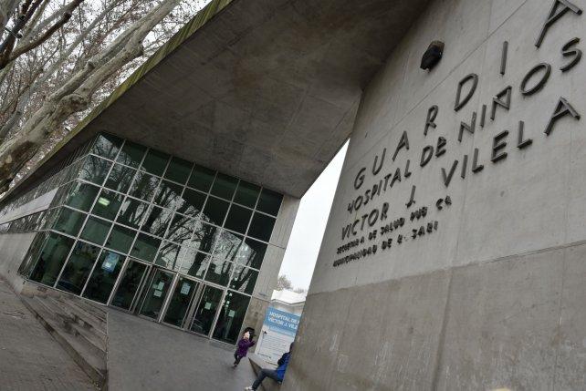 La chica de 14 años violada ayer fue atendida en el Hospital de Niños Víctor J. Vilela.
