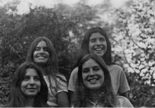 Arriba, Beatriz y Marina. Abajo, Estela y Diana Oesterheld. Ninguna sobrevivió al horror.