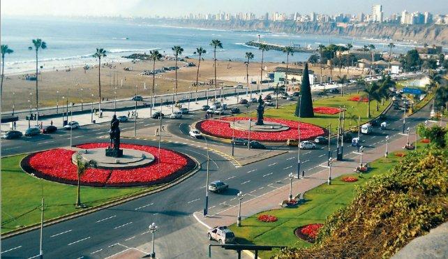 La bella costanera del distrito de Chorrillos, otro sitio para conocer de Lima.
