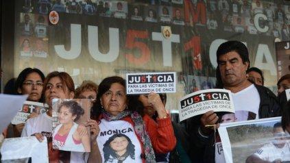 Los familiares de las víctimas de la tragedia de Once piden que se haga Justicia.