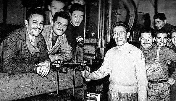 Obreros. Un grupo de trabajadores de la División Vías Navegables (1950).