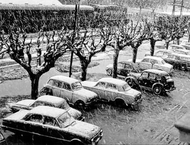 La nevada del 16 de julio de 1973. El tren Rosario-Casilda cruza la estación de Pérez, rumbo a barrio Vila.