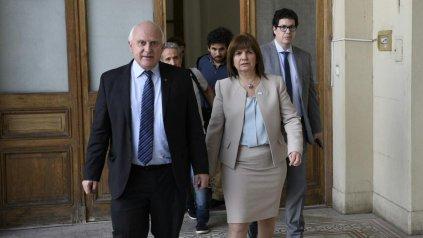 El gobernador Miguel Lifschitz y la ministra de Seguridad Patricia Bullrich, hoy en Rosario.