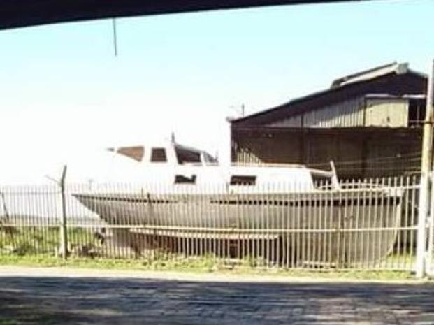 El barco que usaban los chicos para el taller.