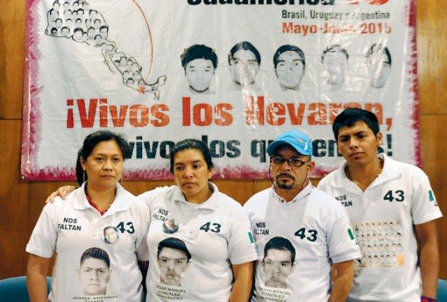 Hilda Legideño Vargas, Hilda Hernández Rivera, Mario César González Contreras y Francisco Sánchez Nava.<br>