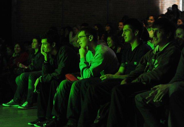 Los chicos disfrutaron de Teatro por la Identidad.