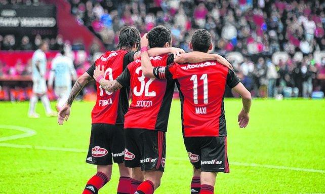 <div>El alma leprosa. Hoy la componen Formica, Scocco y Maxi Rodríguez, justo los encargados del juego ofensivo del equipo de Osella.</div>