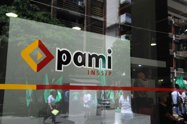Los médicos de cabecera de Pami protestan hasta que se produzca el pago de sueldos.