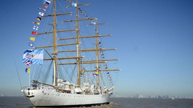 La Fragata llegando al puerto de Buenos Aries.