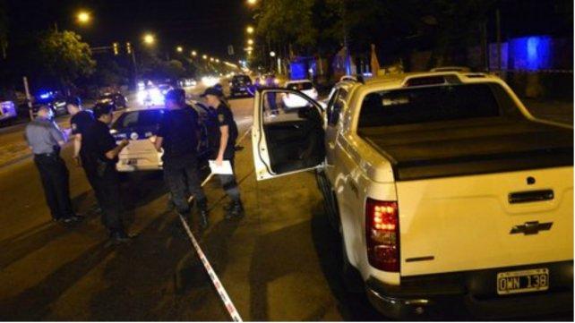 Las balas pegaron contra la camioneta de D'Amico.