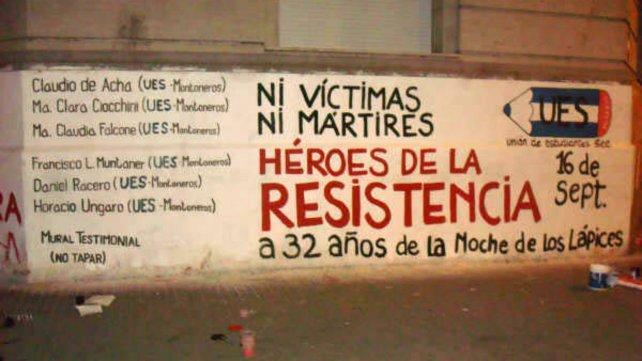 La pintada de la UES Rosario, en la esquina del Politécnico.