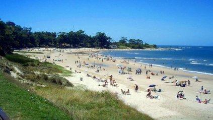 La playa mansa es uno de los atractivos que tiene la ciudad costera.