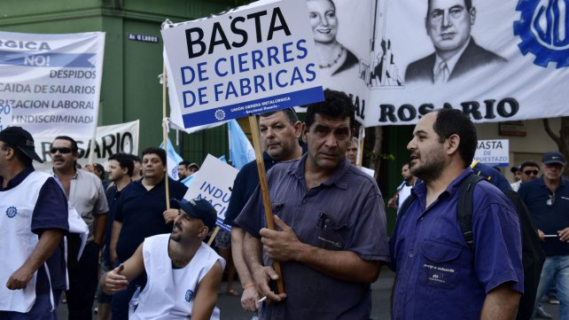 Trabajadores de Mefro Wheels en una de las movilizaciones en el Ministerio de Trabajo.