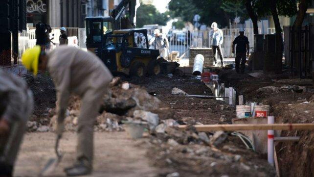 Los trabajos continúan en Sarmiento al 700.