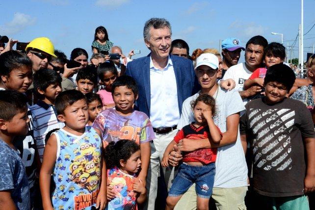 El presidente viajó a la provincia de Santa Fe para monitorear las obras que hay que hacer por las inundaciones.