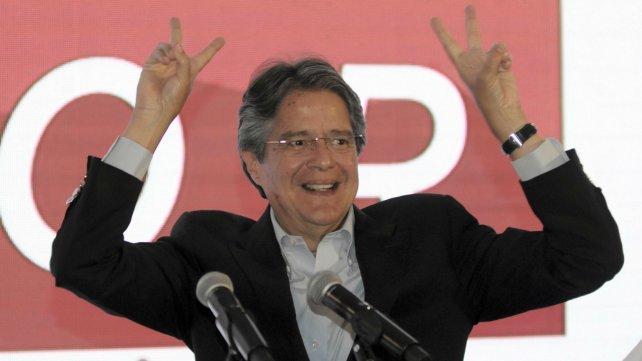El candidato opositor Guillermo Lasso pasaría al ballottage.
