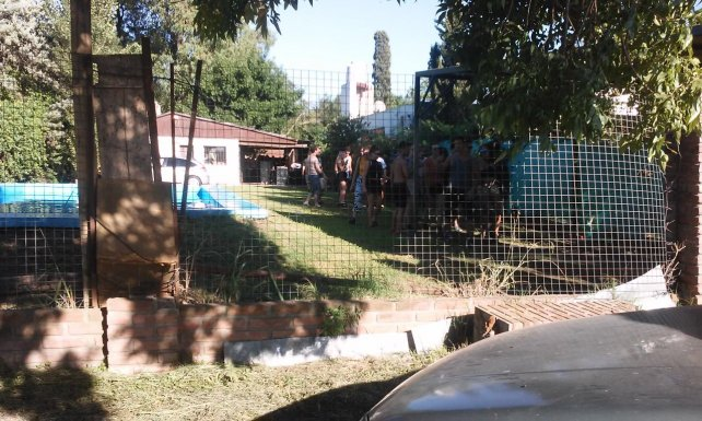 """<p dir=""""auto""""> La fiesta se llevaba adelante en una casa del barrio Fontanet, de la vecina ciudad de Roldán.&nbsp;</p><p></p>"""