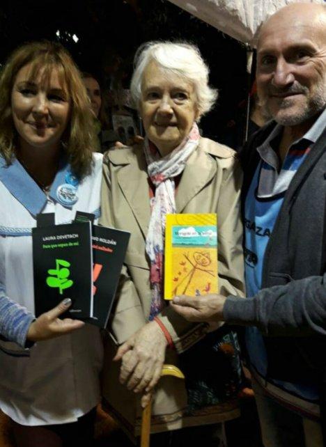 La escritora Laura Devetach dio su apoyo.