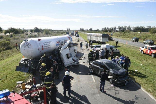 El choque en cadena se registró en la autopista Rosario-Santa Fe a la altura de Capitán Bermúdez.