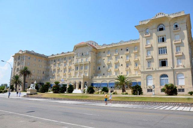 El frente del emblemático Hotel Argentino.