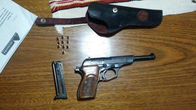 El arma que fue secuestrada anoche.
