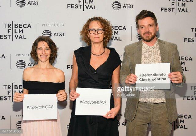 Solomonoff (centro), junto a Elena Roger y Guillermo Pfening.