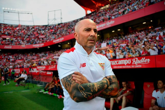 Sampaoli, en su último partido en Sevilla y con los brazos completamente tatuados.