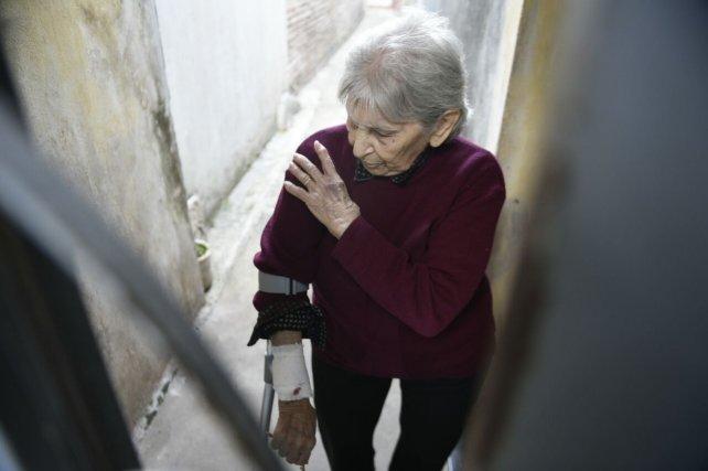 Pilar de 80 años. El perro también atacó a sus dos hijas y a su nieto.