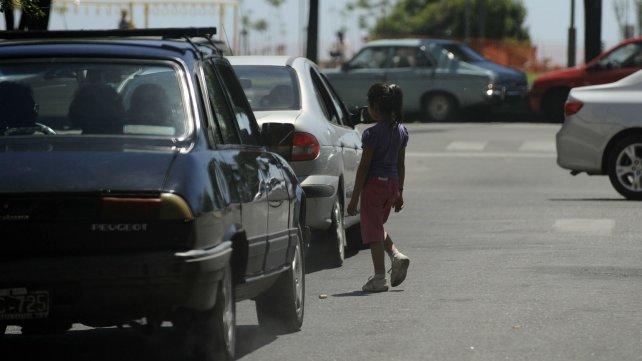 El trabajo infantil en las ciudades es uno de los más visibles, con niños y niñas pidiendo dinero en las calles.