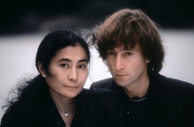 Propusieron reconocer a Yoko Ono como coautora de