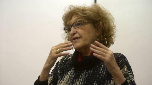 La pedagoga Adriana Puiggrós disertó en la UNR.