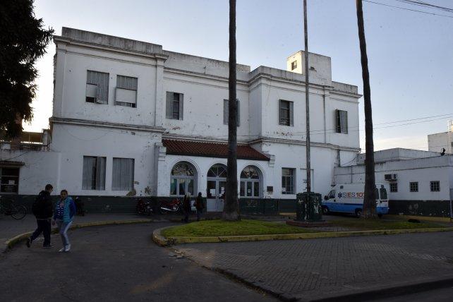 La víctima permanece internada en el hospital Sáenz Peña.