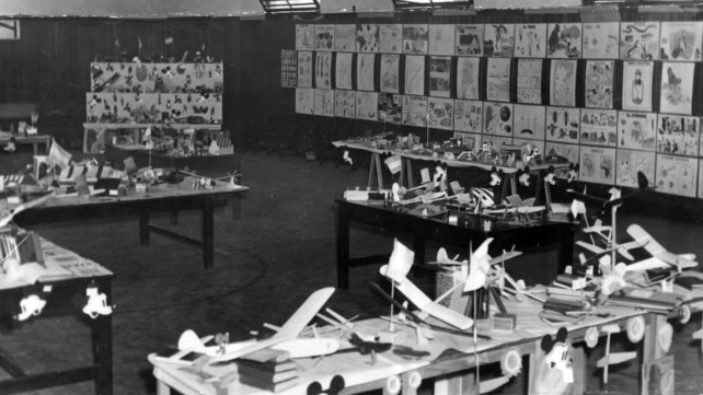 Una muestra de los trabajos de los estudiantes en 1951.