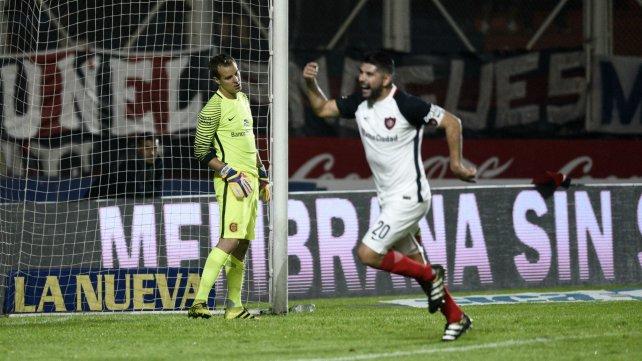 Ortigoza festejando un gol a Central para el ciclón.